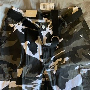 Windsor Black Women's Camo pants